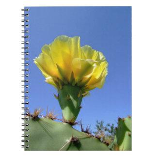 Cuaderno amarillo del cactus del higo chumbo
