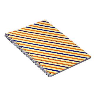 Cuaderno anaranjado azul intrépido de la raya