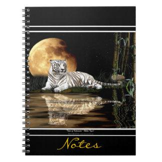Cuaderno blanco raro del arte de la fauna del
