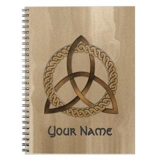 Cuaderno céltico adaptable del nudo de la trinidad