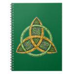 Cuaderno céltico del nudo de la trinidad