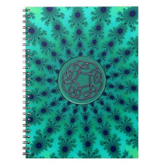 Cuaderno céltico metálico del nudo del fractal