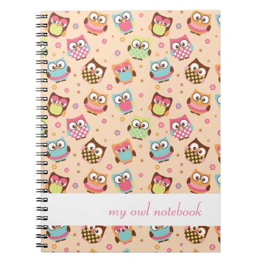 Cuaderno colorido lindo de los búhos (albaricoque)