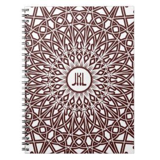 Cuaderno Crocheted del monograma del cordón - café