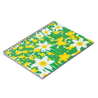 Cuaderno de la foto de las flores amarillas y