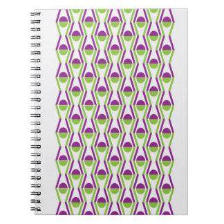 Cuaderno de la foto del modelo de la uva y de la v