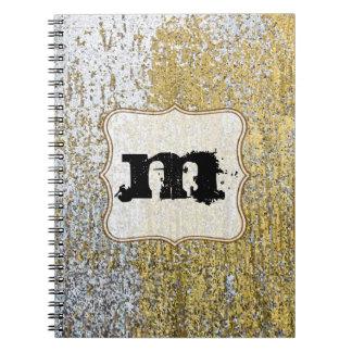 Cuaderno de la inicial del monograma del Grunge
