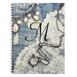 Cuaderno de la inicial del monograma del Victorian