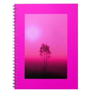 Cuaderno de la salida del sol del árbol de las ros