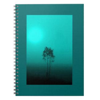 Cuaderno de la salida del sol del árbol del trullo