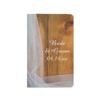 Cuaderno de madera de la lista de control del boda