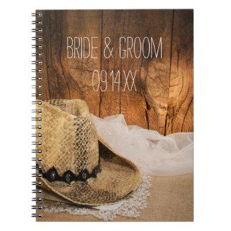Cuaderno de madera del boda del país del granero