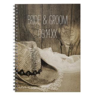 Cuaderno de madera del boda del país del granero d