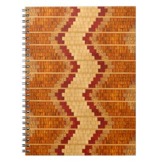 Cuaderno de madera embutido de la reproducción