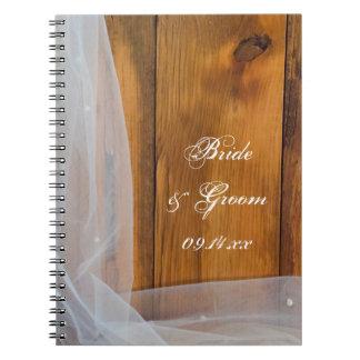 Cuaderno de madera nupcial del boda del país del v