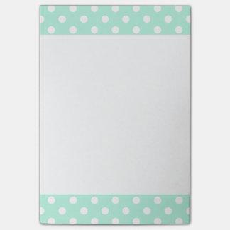Cuaderno de notas del post-it de los lunares de la post-it® notas