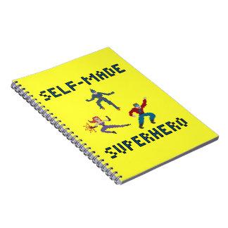 Cuaderno de papel de los super héroes