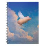 cuaderno del cerdo del vuelo