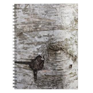 Cuaderno del cierre del tronco de árbol