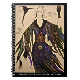 Cuaderno del diseño del traje