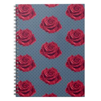 Cuaderno del lunar del rosa rojo y de la marina de