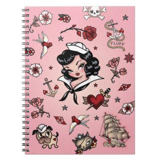 Cuaderno del marinero de Suzy de la pelusa en rosa