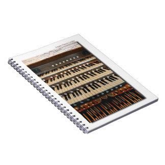 Cuaderno del órgano de la iglesia del templo de Lo