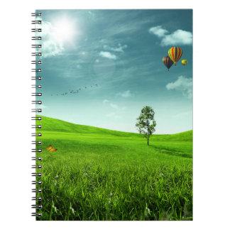 Cuaderno del paisaje del prado del verano