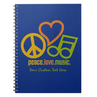 Cuaderno del personalizado de la música del amor d