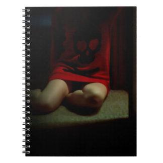 Cuaderno del suéter del cráneo