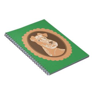 Cuaderno del verde del camafeo de Terrier irlandés