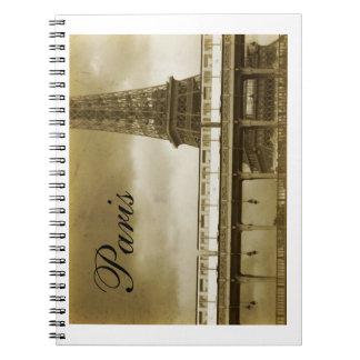 Cuaderno del vintage de la torre Eiffel