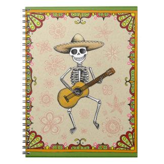 Cuaderno/diario esqueléticos de la guitarra del ba