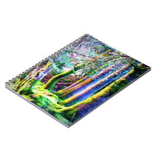 Cuaderno encantado del arte abstracto del bosque