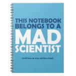 Cuaderno enojado del científico