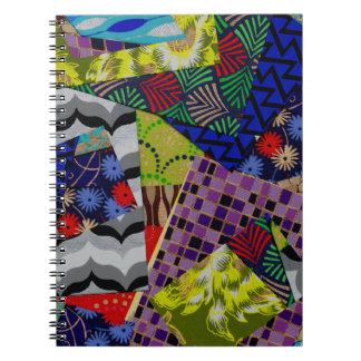 Cuaderno espiral con collage colorido