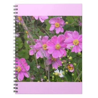 Cuaderno espiral con las anémonas