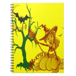 Cuaderno espiral de la bruja de Halloween