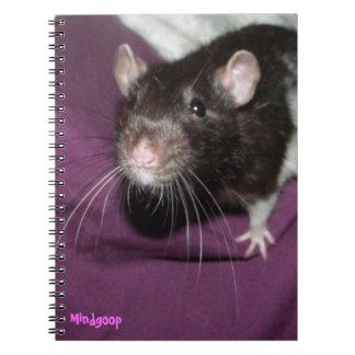 cuaderno espiral de la rata encapuchada negra