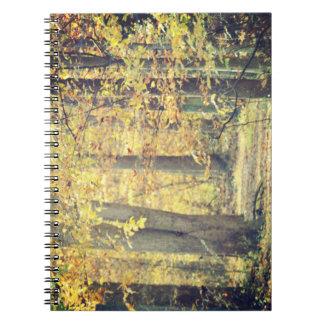 Cuaderno espiral de la trayectoria de oro
