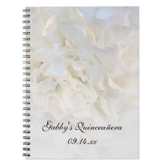 Cuaderno espiral floral blanco de Quinceañera