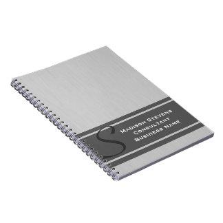 Cuaderno espiral gris del monograma moderno