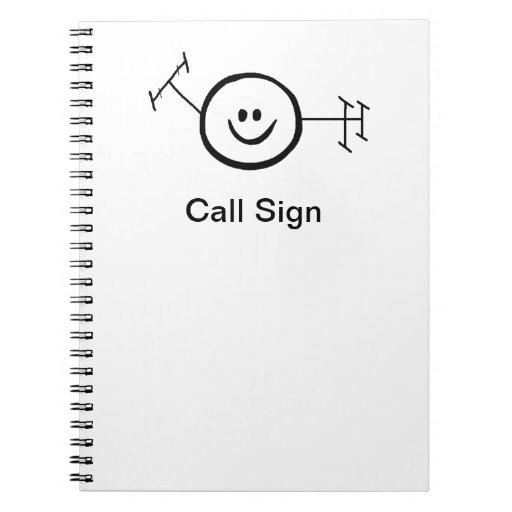 Cuaderno feliz del equipo de radio-aficionado del