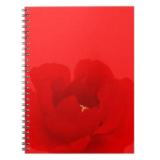 Cuaderno floral de la floración roja del Peony de