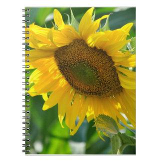 Cuaderno floreciente del girasol