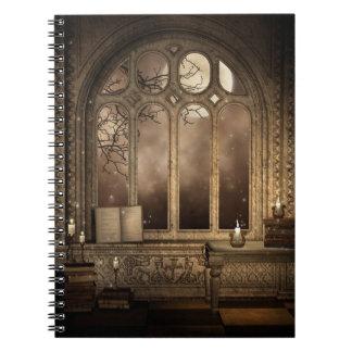 Cuaderno gótico de la ventana de la biblioteca
