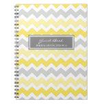 Cuaderno gris de Chevron del amarillo del libro de