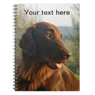 Cuaderno hermoso de la foto del perro revestido pl