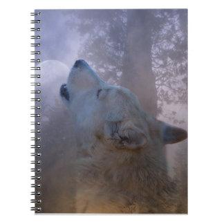 Cuaderno hermoso del lobo y de la luna