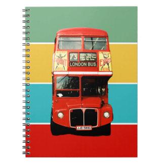 Cuaderno lindo del autobús de Londres